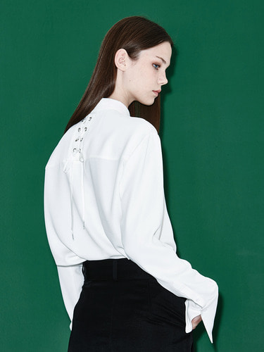 [Season Off 50% 세일]Back Lace-Up Blouse (WH)